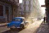 Vintage American Cars on Avenue Colon Fotografisk tryk af Lee Frost