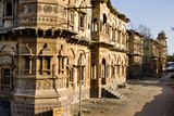 Morvi Temple (The Secretariat) an Administrative Building with a Hindu Temple in the Centre Reprodukcja zdjęcia autor Henry Wilson