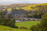 Burnsall, Yorkshire Dales National Park, Yorkshire, England, United Kingdom, Europe Fotografisk tryk af Miles Ertman