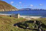 Keem Beach on Achill Island, County Mayo, Connaught (Connacht), Republic of Ireland, Europe Photographic Print by Richard Cummins