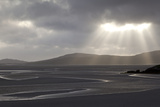 Traigh Losgaintir Beach and Estuary in Evening Light, North Harris, Scotland, UK, May Fotografie-Druck von Peter Cairns