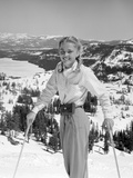 1940s 1950S Young Blond Athletic Woman Smiling Standing with Ski Poles Top of Mountain Fotografická reprodukce