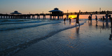 Pier at Sunset, Fort Myers Beach, Estero Island, Lee County, Florida, USA Reproduction photographique