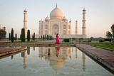 Reflection of a Mausoleum in Water, Taj Mahal, Agra, Uttar Pradesh, India Papier Photo par Green Light Collection
