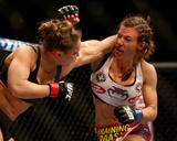 UFC 168: Dec 28, 2013 - Ronda Rousey vs Miesha Tate Foto af Josh Hedges