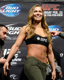 UFC 170 Weigh In: Feb 21, 2014 - Ronda Rousey vs Sara McMann Photo af Jeff Bottari