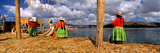Aymara Women on Floating Island, Lake Titicaca, Peru Fotografie-Druck