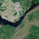 Confluence of the Rio Negro and Rio Solimões Rivers, Forming the Lower Amazon River in Brazil Impressão fotográfica