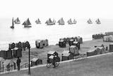 Beach Scene in Victorian England, Ca. 1900 Fotoprint