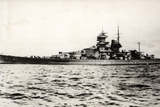 The German Battleship Tirpitz at Sea, Early in World War II Stampa fotografica