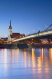 St Martin's Cathedral and New Bridge at Dusk, Bratislava, Slovakia Lámina fotográfica por Ian Trower
