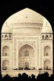 India, Uttar Pradesh, Agra, Taj Mahal (UNESCO site) Photographic Print by Michele Falzone