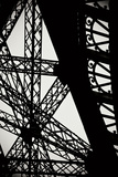 Eiffel Tower Latticework II Fotografisk tryk af Erin Berzel