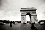 Arc de Triomphe II Photographic Print by Erin Berzel