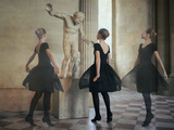 Ballerine Dans Le Noir Fotografie-Druck von Florence Menu