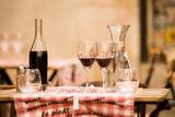 Lyon Brasserie I Fotodruck von Erin Berzel