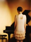 Woman in Front of a Piano Reproduction photographique par Ricardo Demurez