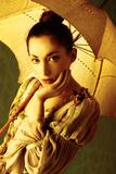 Woman with Umbrella 2 Reproduction photographique par Ricardo Demurez