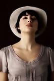 Woman in White Hat 4 Reproduction photographique par Ricardo Demurez