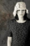 Woman in White Hat Reproduction photographique par Ricardo Demurez