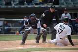 Apr 2, 2014, Minnesota Twins vs Chicago White Sox - Kurt Suzuki, Adrian Nieto Fotografisk tryk af Ron Vesely