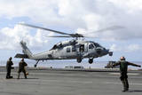 An Mh-60S Sea Hawk Lands on the Flight Deck of USS John C. Stennis Stampa fotografica