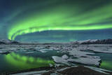 Aurora Borealis over the Glacial Lagoon Jokulsarlon in Iceland Fotografisk tryk