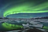 Aurora Borealis over the Glacial Lagoon Jokulsarlon in Iceland Reprodukcja zdjęcia