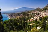 Taormina and Mount Etna Volcano Seen from Teatro Greco (Greek Theatre) Fotografisk trykk av Matthew Williams-Ellis