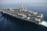 The Aircraft Carrier USS Nimitz Is Underway in the Arabian Gulf Stampa fotografica