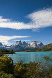 Lake Pehoe in the Torres Del Paine National Park, Patagonia, Chile, South America Lámina fotográfica por Michael Runkel