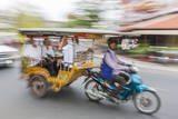 Motion Blur Image of a Tuk-Tuk in the Capital City of Phnom Penh Reproduction photographique par Michael Nolan