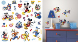 Mickey & Friends - Mickey Mouse Clubhouse Capers Peel and Stick Wall Decals Adhésif mural