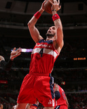 2014 NBA Playoffs Game 5: Apr 29, Washington Wizards vs Chicago Bulls - Marcin Gortat Photographic Print by Gary Dineen