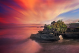 Batu Bolong Temple Fotografie-Druck von Marco Carmassi