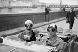 Couple in MG Lámina giclée premium por Ruth Orkin