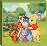 Disney Winnie the Pooh - Pooh Hugging Canvas Stretched Canvas Print