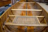 New York, Clayton. Antique Boat Museum. Peterborough wooden canoe. Fotografisk tryk af Cindy Miller Hopkins