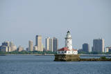 USA, Illinois, Chicago city skyline and Chicago Harbor Lighthouse. Fotografie-Druck von Cindy Miller Hopkins