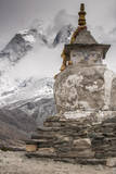 Stupa near Dingbochhe, Nepal. Photographic Print by Lee Klopfer
