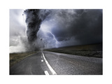 Powerful Tornado - Destroying Property with Lightning in the Background Posters par  Solarseven