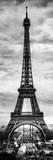 Instants of Paris B&W Series - Eiffel Tower, Paris, France Fotografisk tryk af Philippe Hugonnard
