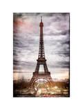 Instants of Paris Series - Eiffel Tower, Paris, France - White Frame and Full Format Lámina fotográfica por Philippe Hugonnard