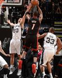 2014 NBA Finals Game Two: Jun 08, Miami Heat vs San Antonio Spurs - Chris Bosh, Manu Ginobili Photographie par Andrew Bernstein