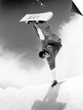 Snowboarder Doing a Handstand Poster af Kurt Olesek