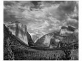 Yosemite Tunnel View Black and White I Posters av Danny Burk