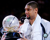 Tim Duncan with the 2007 Western Conference Champions Trophy Photo