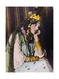 An Ouled Nail Tribal Dancer Bejeweled in Gold Coins and Bangles Fotografisk tryk