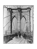 A Photograph of People Standing and Walking on the Brooklyn Bridge Promenade Fotografisk tryk