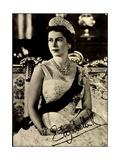 Königin Elisabeth Ii Von England, Juwelen, Krone Giclee Print